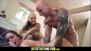 Dude fucks knocker and daughter sarah vandella and maci winslett