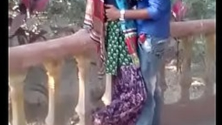 desi teen kissing in the air park