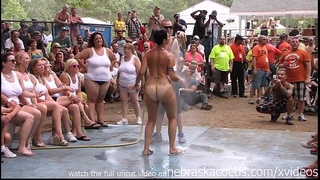 Amateur exposed contest at this years nudes a poppin festival in indiana