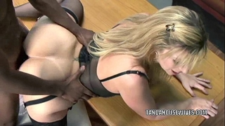 Mature bitch sara jay is in her office and getting drilled
