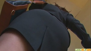 Office sweetheart chinatsu gives an oriental oral-service at work